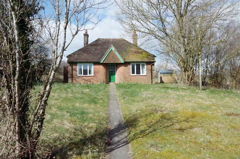 2 Bedrooms Bungalow for rent in Compton, Chichester