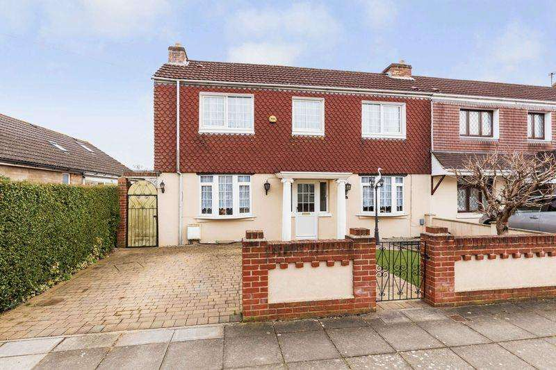 3 Bedrooms Semi Detached House for sale in Second Avenue, Portsmouth