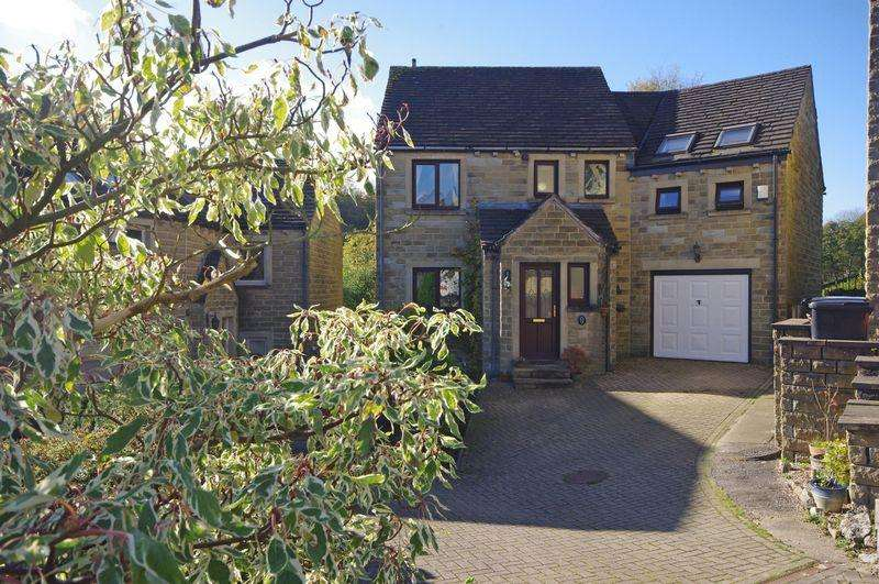 4 Bedrooms Detached House for sale in 72 Stones Drive, Ripponden