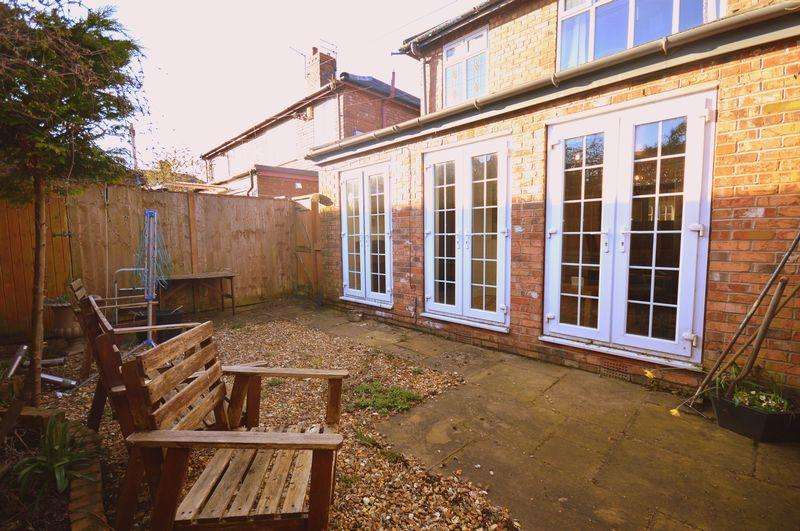 3 Bedrooms Apartment Flat for sale in Dovedale Road, Allerton