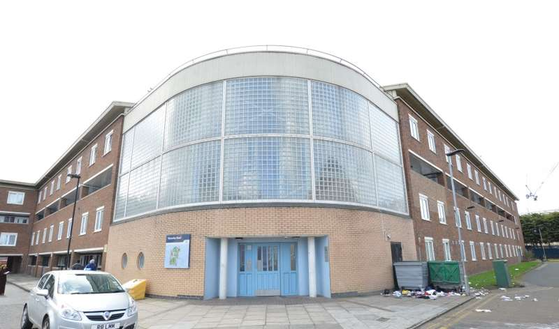 1 Bedroom Apartment Flat for sale in Waverley Road, Tottenham, London, N17 0PB