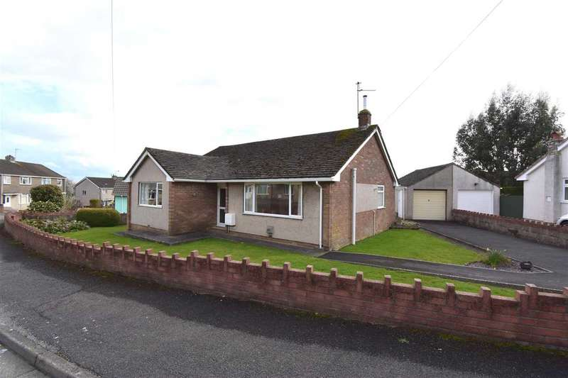 3 Bedrooms Detached Bungalow for sale in Larkfield Avenue, Chepstow