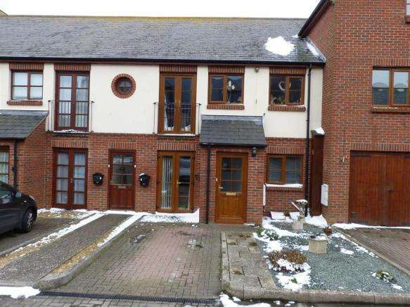 2 Bedrooms Property for sale in Fern Square, Weymouth, Dorset
