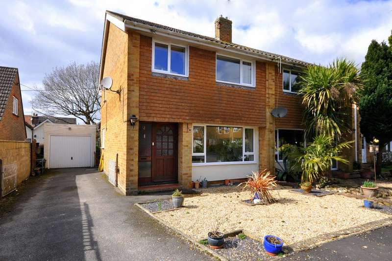 3 Bedrooms Semi Detached House for sale in Poulner, Ringwood, BH24 1TZ