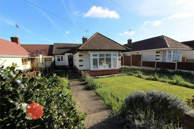 2 Bedrooms Semi Detached Bungalow for sale in 22 Orsett Avenue, LEIGH-ON-SEA, Essex