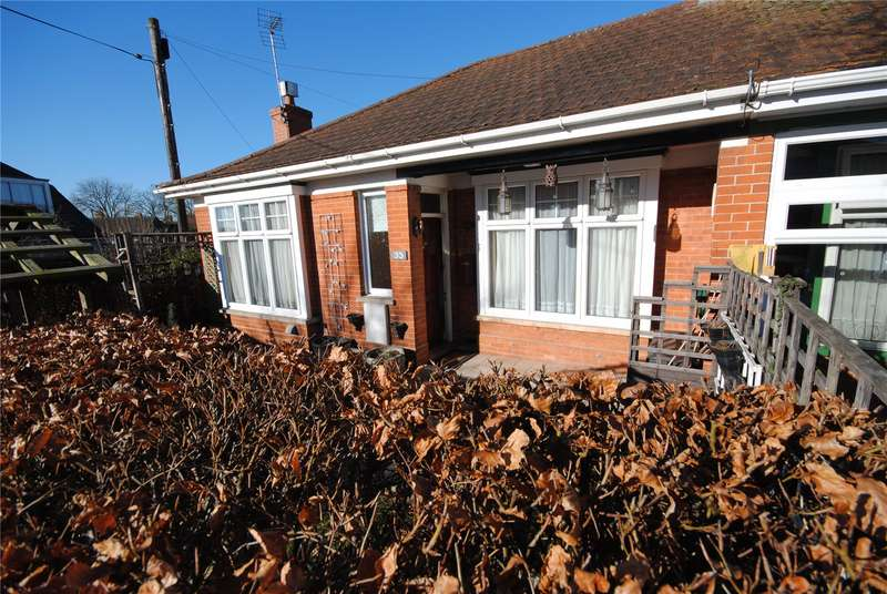 2 Bedrooms Semi Detached Bungalow for sale in Greenway Crescent, Taunton, Somerset, TA2