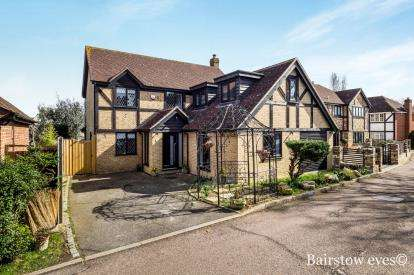 Detached House for sale in Chigwell, Essex