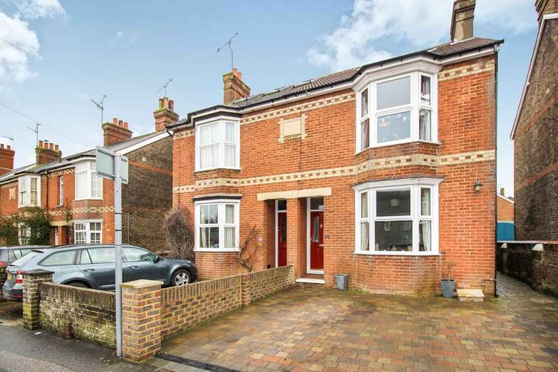 4 Bedrooms Semi Detached House for sale in Rusper Road, Horsham