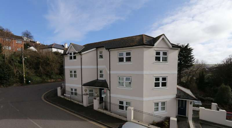 2 Bedrooms Flat for sale in Coombe Park Road, Teignmouth