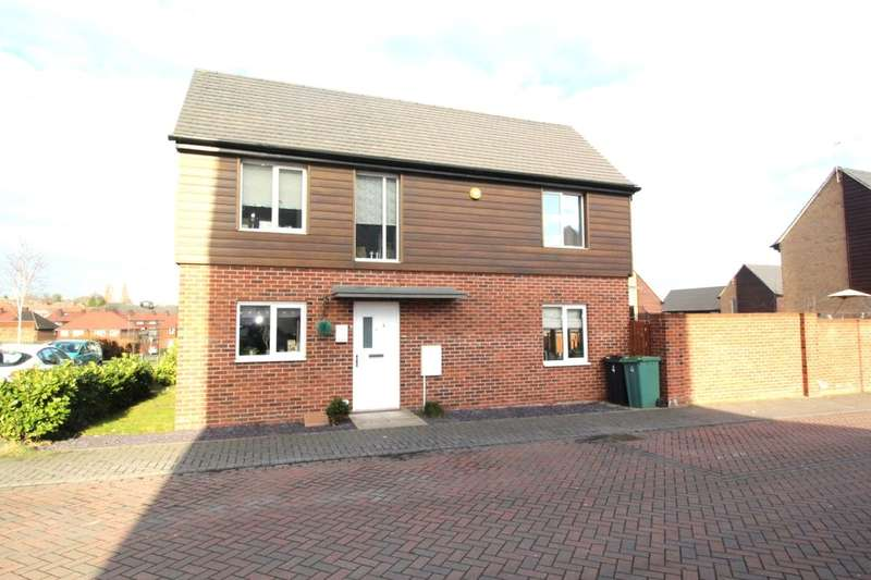 2 Bedrooms Semi Detached House for sale in Oaklands Close, Gipton, Leeds, LS8