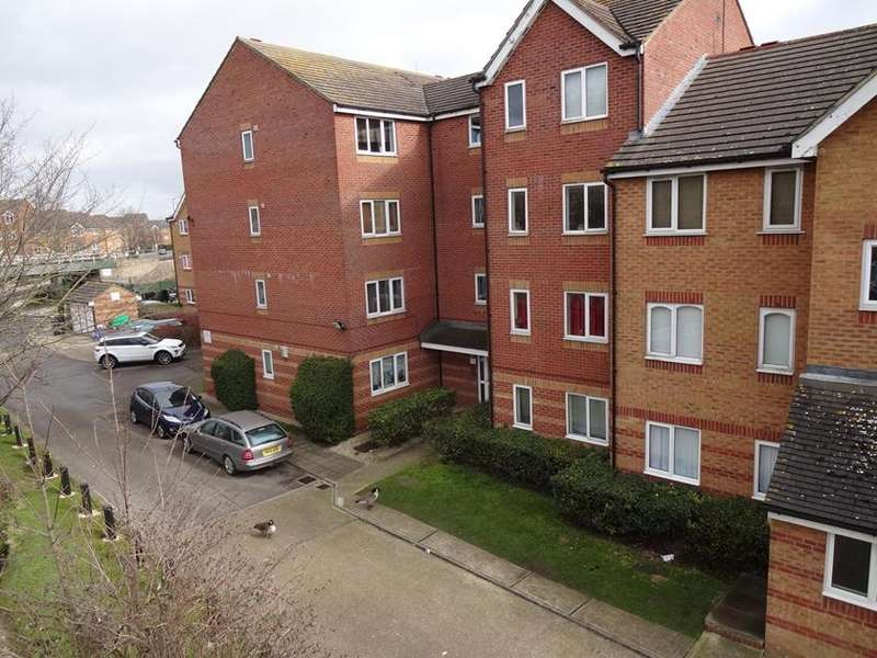 1 Bedroom Flat for sale in Bream Close, London, N17
