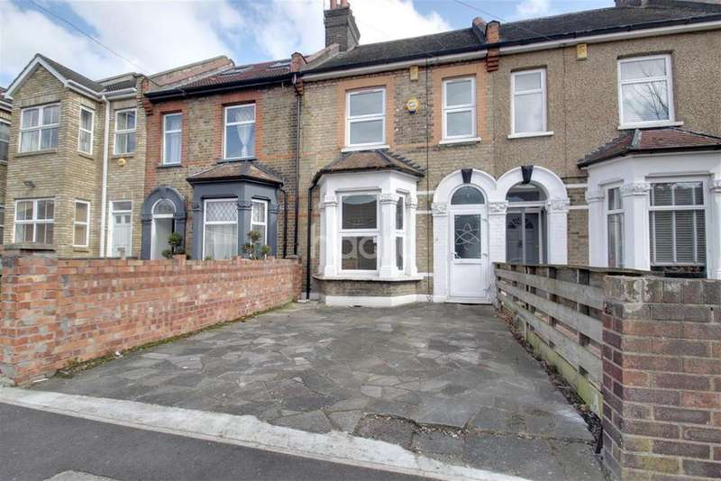 3 Bedrooms Detached House for rent in Gladding Road, Manor Park, E12