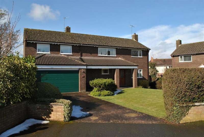 4 Bedrooms Detached House for sale in Osborne Way