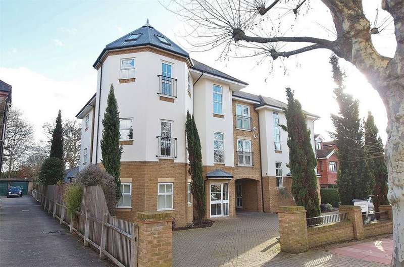3 Bedrooms Flat for sale in Cranleigh House, 16 Overbury Avenue, Beckenham