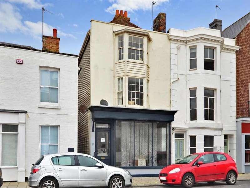 2 Bedrooms Flat for rent in Sandgate High Street Sandgate CT20