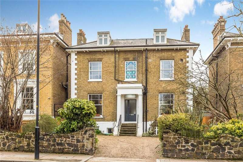 5 Bedrooms Detached House for sale in Peckham Rye, London, SE22