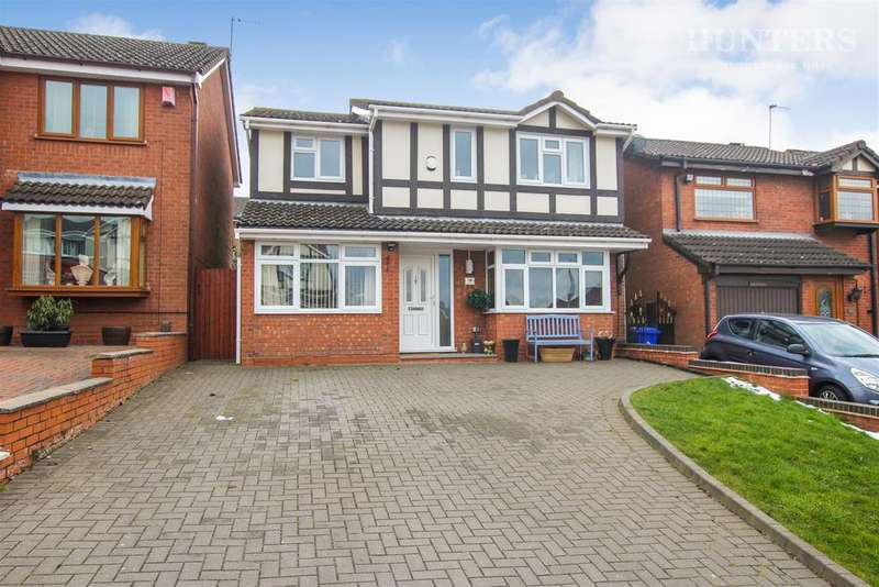4 Bedrooms Detached House for sale in Appledore Grove, Stoke-on-Trent, Packmoor, ST6 6XH