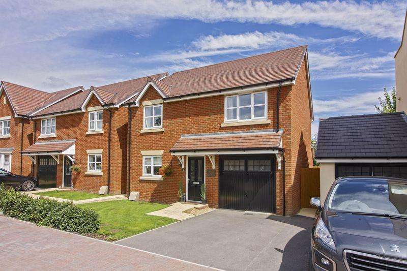 4 Bedrooms Detached House for sale in Robin Road, Worthing