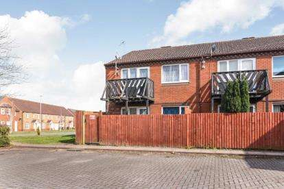 1 Bedroom Flat for sale in Yew Tree Close, Redditch, Worcestershire