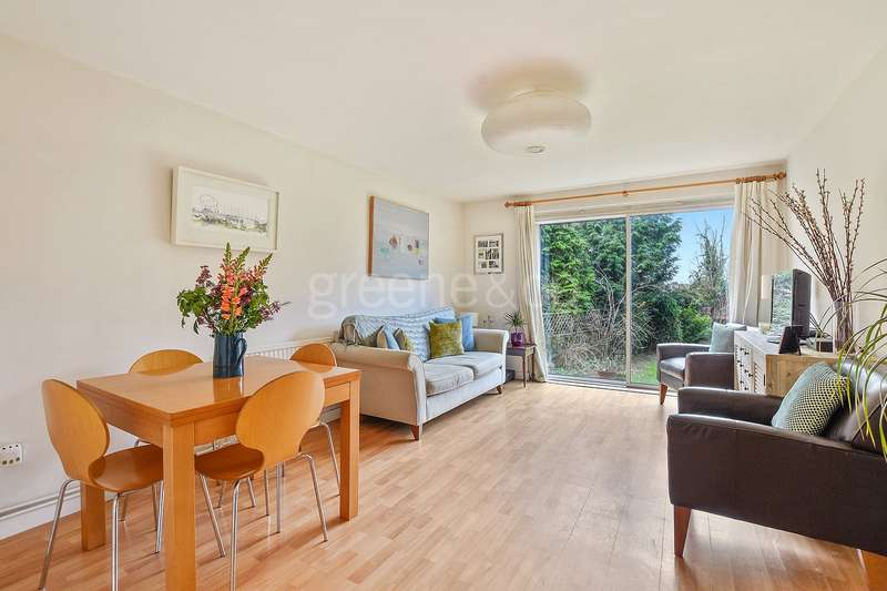 2 Bedrooms Flat for sale in Westbere Road, West Hampstead, London, NW2