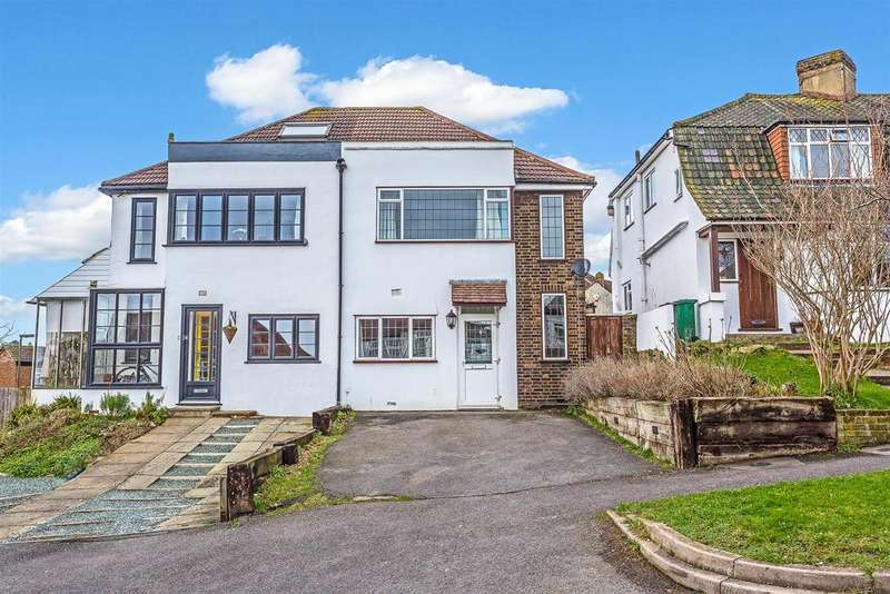 3 Bedrooms Semi Detached House for sale in Chipstead Way, Banstead