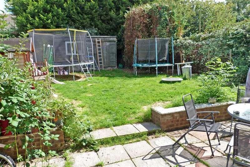 3 Bedrooms Semi Detached House for sale in Sheerstone, Iwade, Sittingbourne, Kent