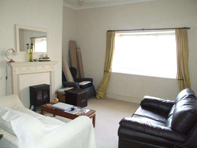 1 Bedroom Flat for rent in High Street, Corsham, Wiltshire, SN13 0HQ