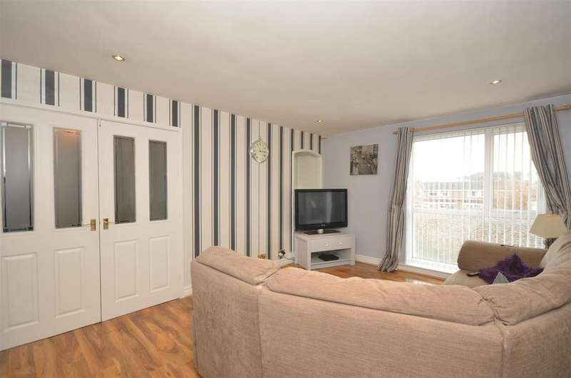 2 Bedrooms Apartment Flat for sale in Milcombe Close, Moorside, Sunderland