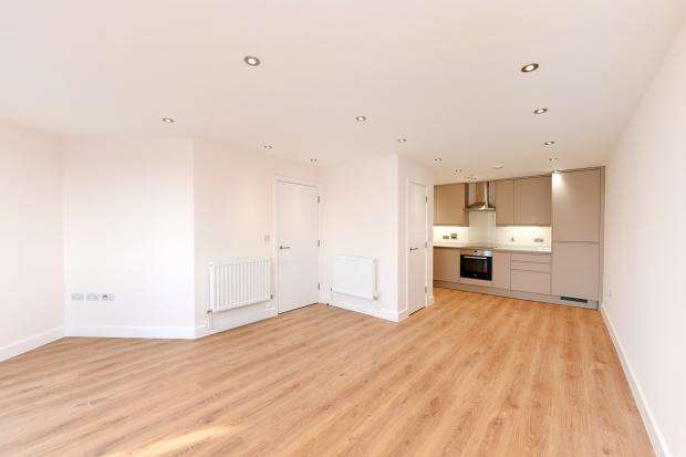 2 Bedrooms Flat for sale in Upper 43 43 Upper Clapton Road, Clapton, E5