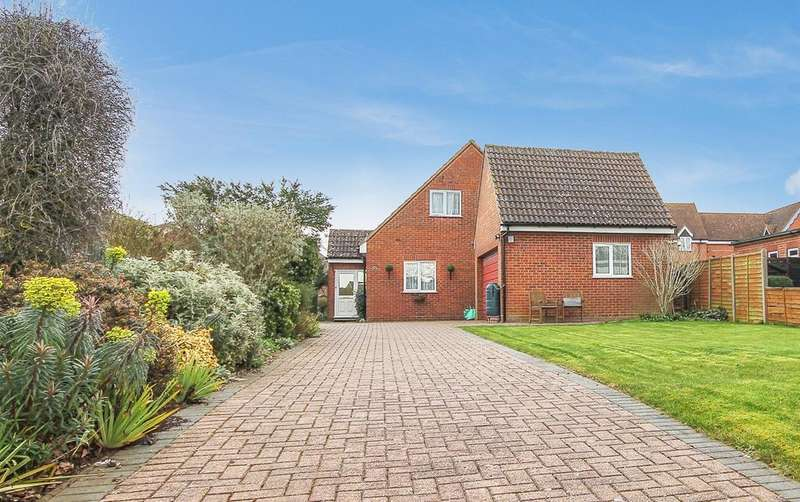 3 Bedrooms Detached House for sale in High Street, Broom, SG18