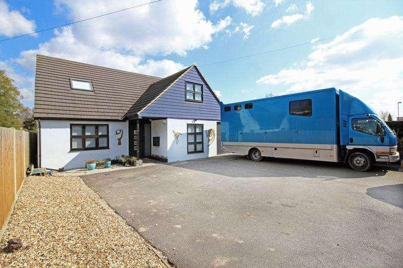 5 Bedrooms Detached Bungalow for sale in Limpsfield Road, Sanderstead, Surrey