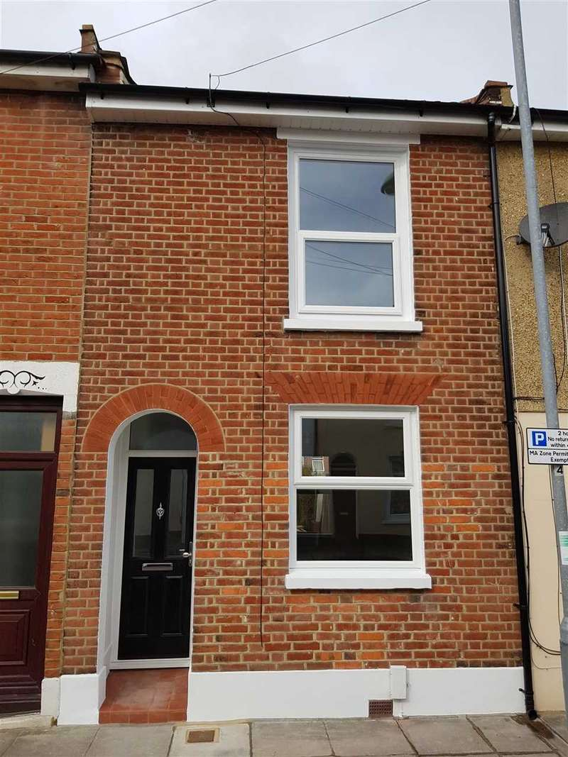 3 Bedrooms Terraced House for sale in Leopold Street, Southsea