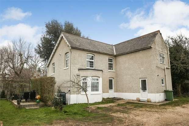 3 Bedrooms Country House Character Property for sale in Swanwick Lane, Lower Swanwick, Southampton, Hampshire