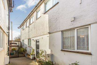 3 Bedrooms End Of Terrace House for sale in Pitcroft Lane, Portsmouth, Hampshire