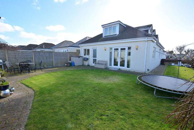 4 Bedrooms Detached Bungalow for sale in Bascott Road, Bournemouth