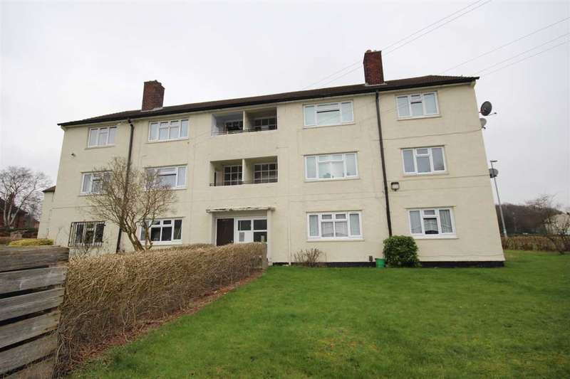 2 Bedrooms Flat for sale in Deanswood View, Leeds