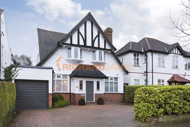 4 Bedrooms Detached House for sale in Goodwyn Avenue, Mill Hill