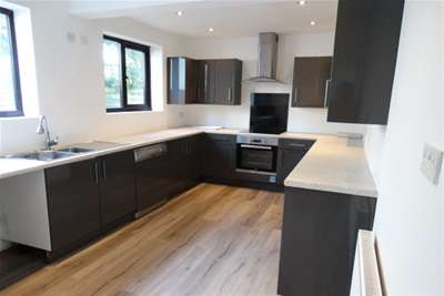 4 Bedrooms Cottage House for rent in Chapel Road, Tiptree