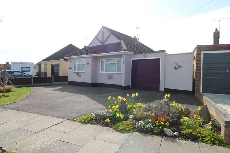3 Bedrooms Detached Bungalow for sale in The Ryde, Leigh-on-Sea