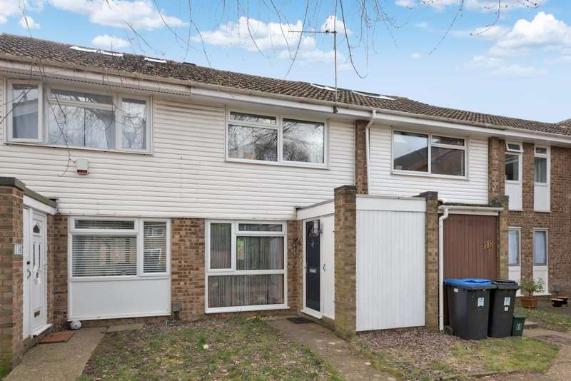 2 Bedrooms House for sale in Woking, Surrey, GU21