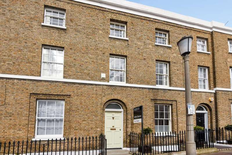3 Bedrooms Terraced House for sale in Royal Place London SE10