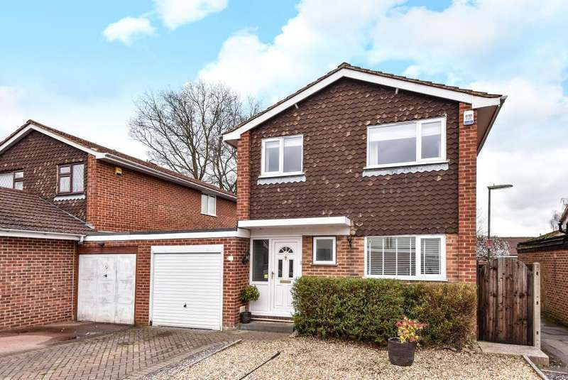 4 Bedrooms House for sale in Lightwater, Surrey, GU18