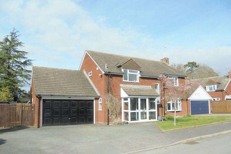 4 Bedrooms Detached House for sale in Butt Furlong, Fladbury