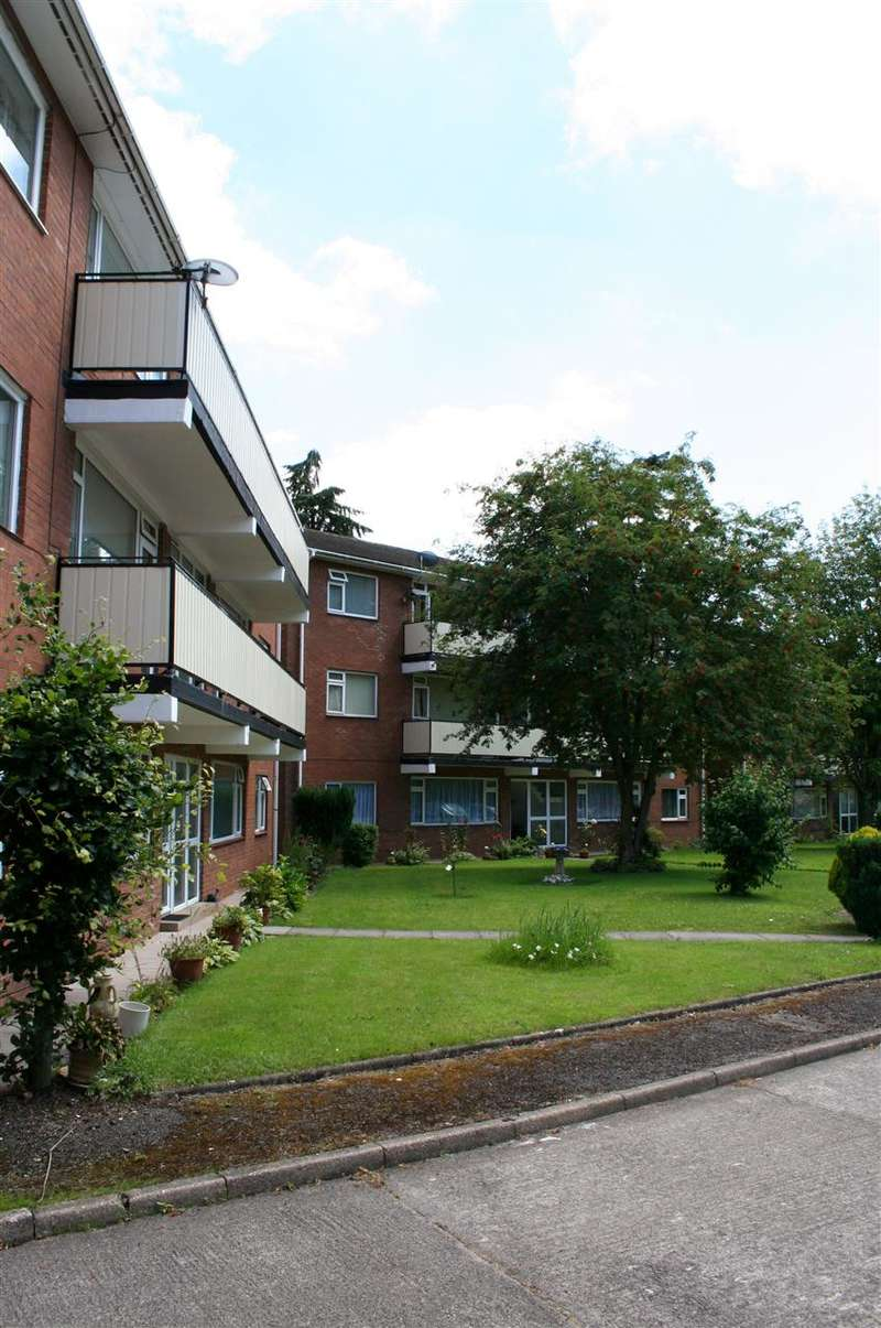 2 Bedrooms Apartment Flat for rent in York Court, Maes-Yr-Awel, Radyr, Cardiff