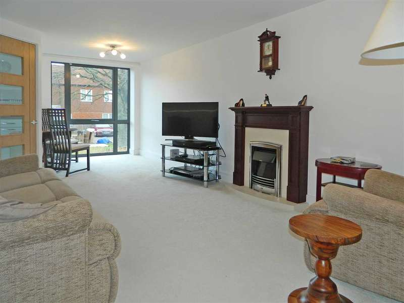 2 Bedrooms Retirement Property for sale in Turner House, Petersfield Road, Midhurst