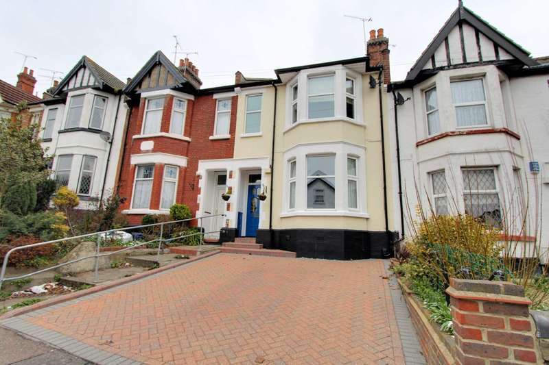 6 Bedrooms Terraced House for sale in Canewdon Road, Westcliff on Sea