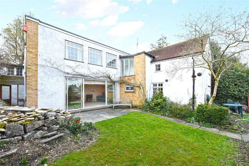 4 Bedrooms Detached House for sale in Kings Hill, Loughton, Essex, IG10