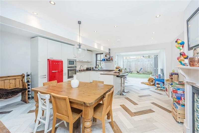 4 Bedrooms House for rent in Narbonne Avenue, London, SW4