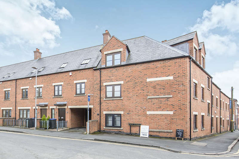 2 Bedrooms Flat for sale in New Street, Hinckley, LE10