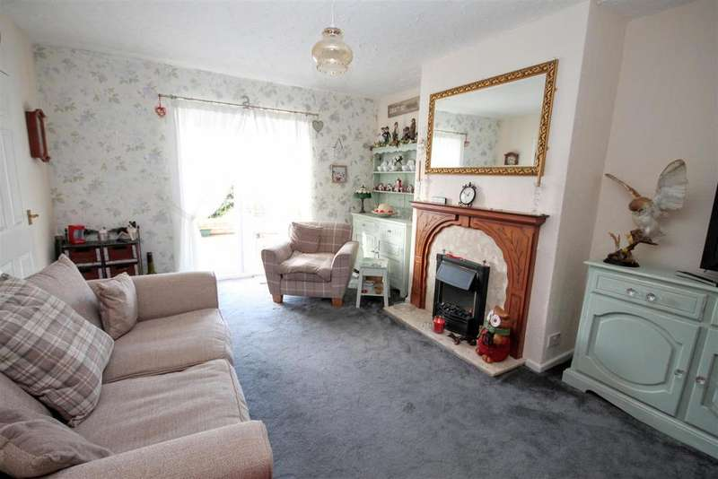 4 Bedrooms Semi Detached House for sale in Thorntree Gardens, Middleton St. George, Darlington
